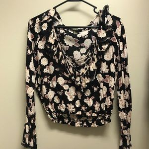 ⭐️ 5 for $10⭐️ Flowered Crop Top